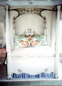Кованая кровать Бритни Спирс
